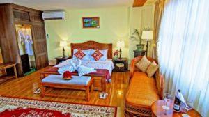 Bedroom at Shwe Ingyinn Hotel Mandalay