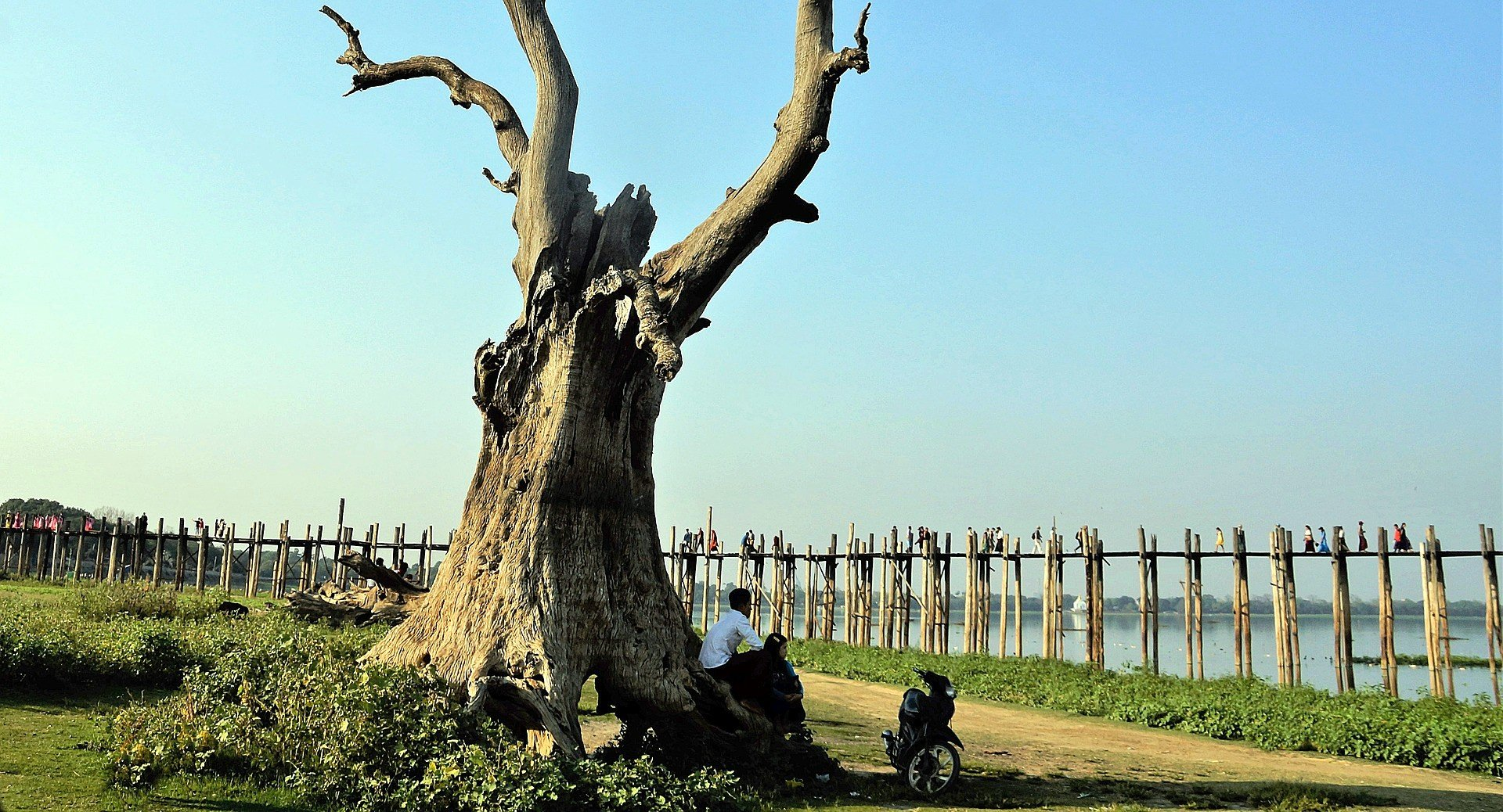 U Bein Bridge crosses Taungthaman Lake