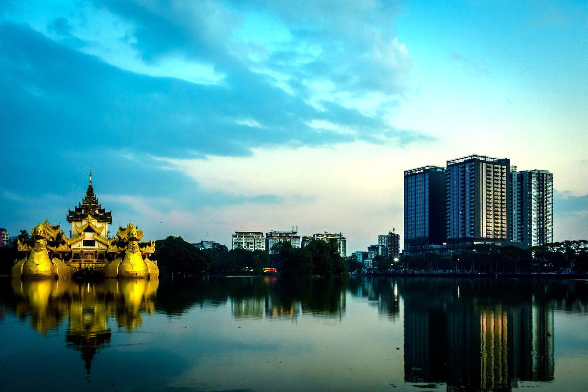 Kandawgyi Lake in Yangon