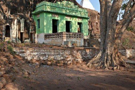 Pho Win Taung near Monywa