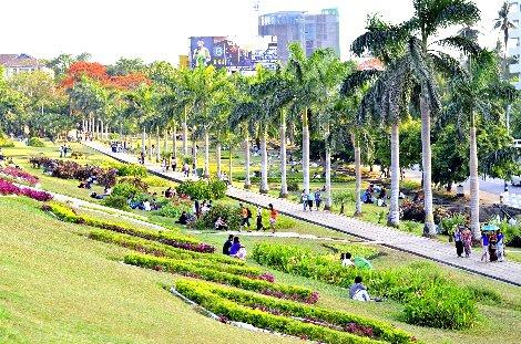 Inya Lake Park in Yangon